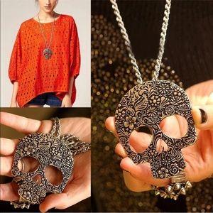 5/$25 🌻 Bronze Gothic Skull Necklace